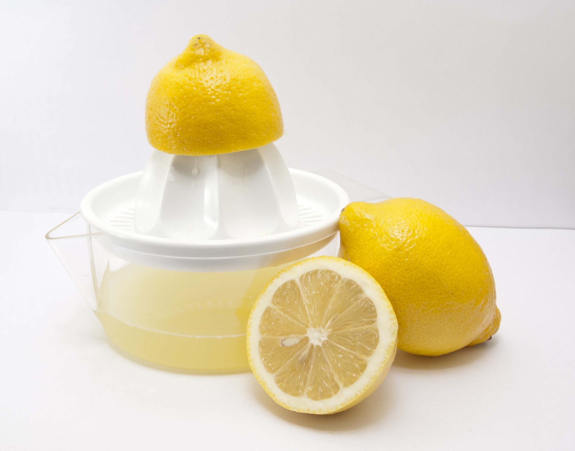 Zumo directo de limón